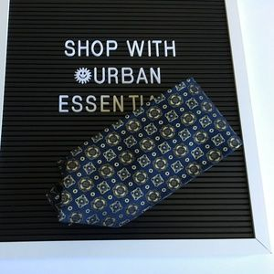 Brooks Brothers Makers Necktie 100% Silk
